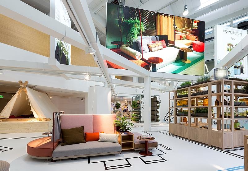 erfolgreicher ausstellungsauftakt wie wohnen wir in zukunft. Black Bedroom Furniture Sets. Home Design Ideas